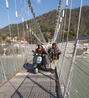 pedestrian bridge over the Ganges
