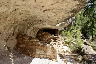 Cliff-dwelling at Walnut Canyon