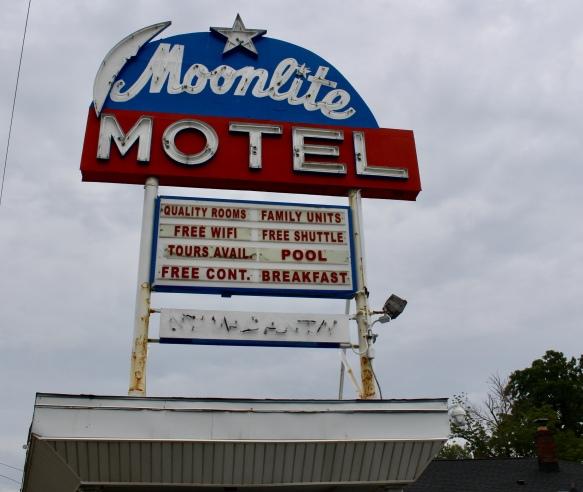 Moonlite Motel - where I stayed :-)