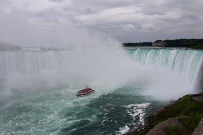 Hornblower Cruises & Horseshoe Falls