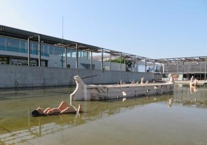 lounging nudes at Centro Vasco de Gama