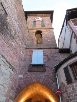 the portal, Porte d'Espagne