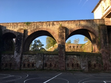 Citadelle & basketball court