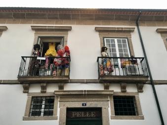 balcony characters