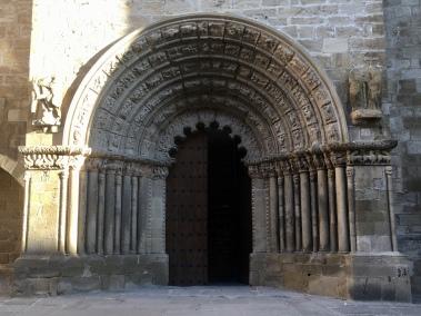 12th C façade & portico of Iglesia de Santiago