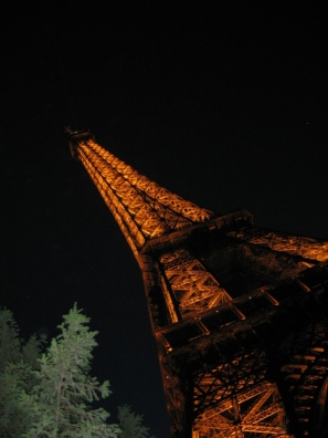 """Artistic"" Eiffel Tower"