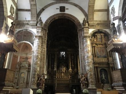 Inside Igreja de São Gonçalo