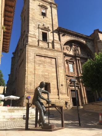 statue in Navarrete