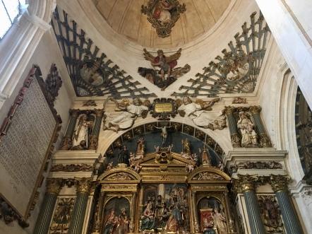 ceiling & altarpiece in Catedral de Santa María