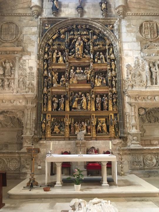 interior of Iglesia de San Gil