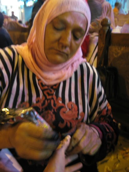getting henna applied in Cairo