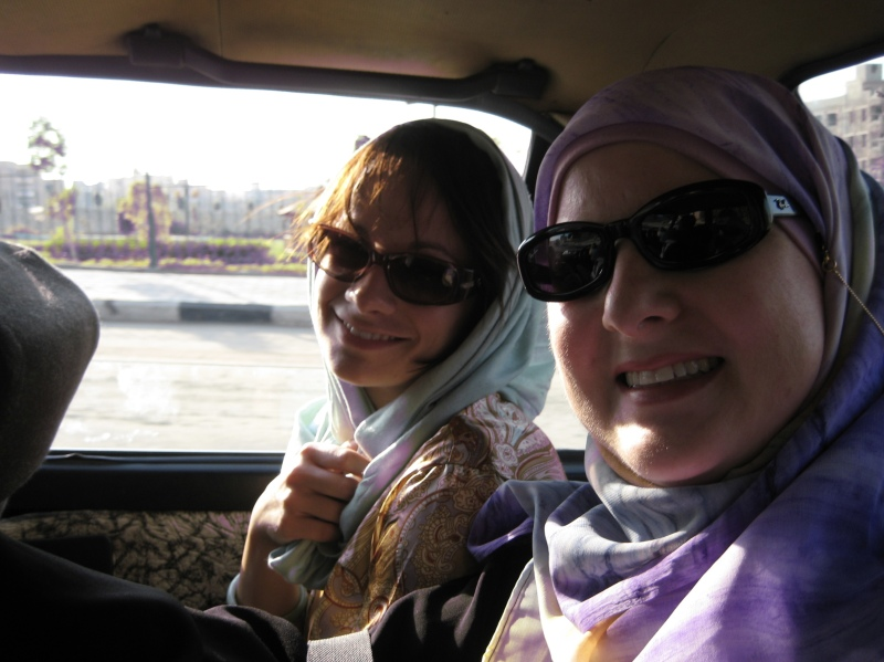 Lisa & Shannon in the taxi
