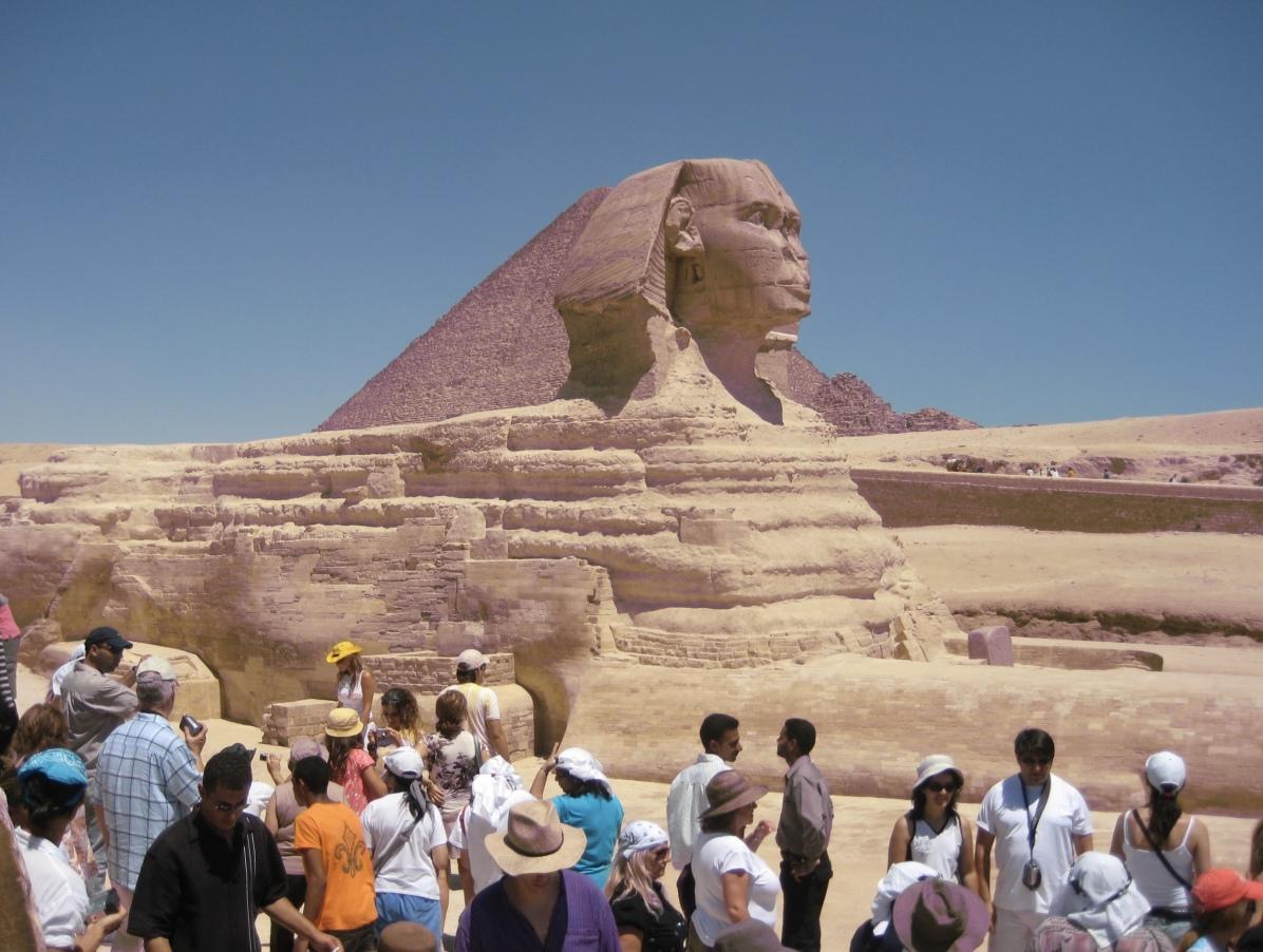 Crowds around the Sphinx