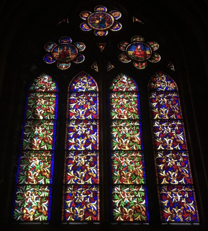 stained glass windows in Catedral de Santa María de León