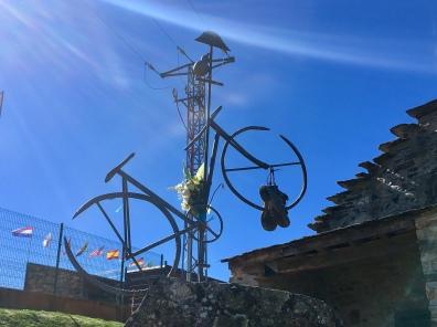 bicycle sculpture in El Acebo