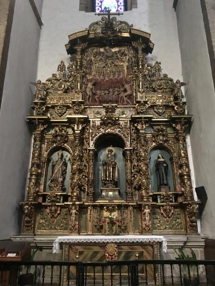 altarpiece in Basílica de la Virgen de la Encina