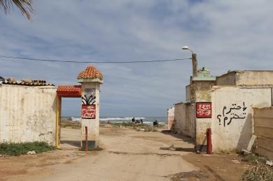 nearing the shantytown area