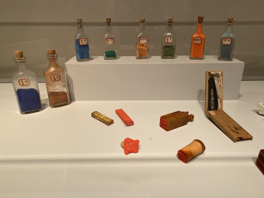 pigment bottles