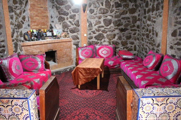 common room at Auberge Ifrane a Imlil Marrakech