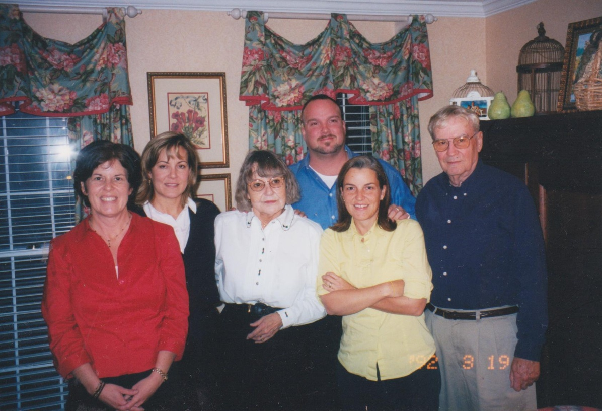 Me, Joan, Mom, Rob, Steph and Dad