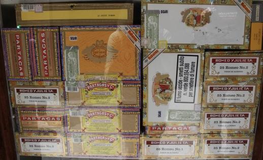 cigars on Via Discovolo