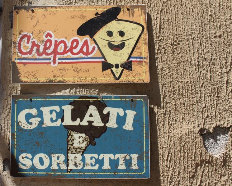 more signs on Via Discovolo