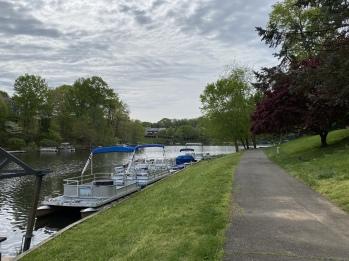 houseboats along Lake Audubon