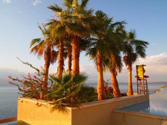 O Beach Hotel