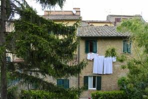 laundry in Volterra