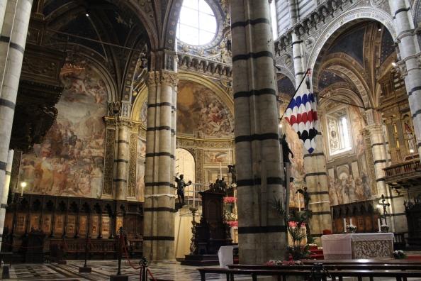 inside Duomo di Siena