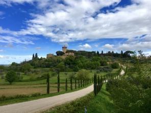 drive from Montepulciano to Bagno Vignoni
