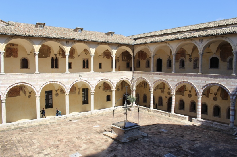 cloister at Basilica di San Francesco