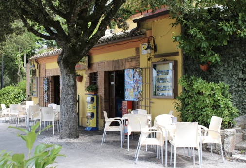 coffee shop on La Rocca