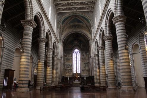 interior of Duomo di Orvieto
