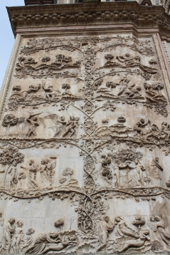 bas-reliefs at Duomo di Orvieto